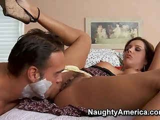 Autocratic busty latin mom Francesca Le in homo XXX video