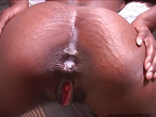 Swarthy babe gets pain in the neck filled with reams of white cum