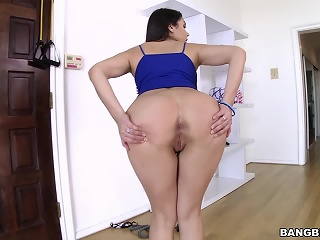 Valentina Nappi gets anal and Leaves Usurp