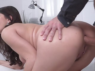 Round ass Italian slut anally fucked from retaliation